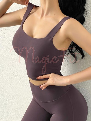 Anti-Vibration Sports Bra Top with Removable Pads in Maroon Colour